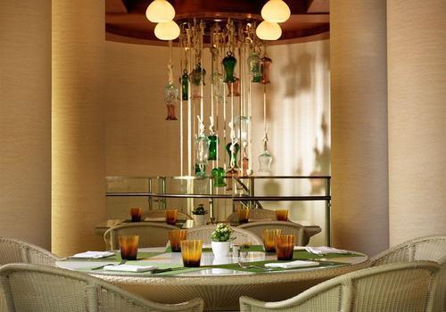 jumeirah hotel restaurant